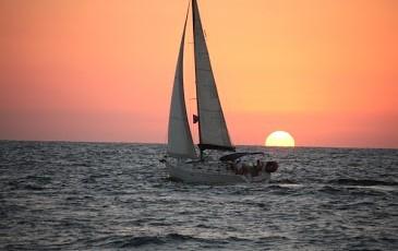 הפלגה זוגית וטיסה רומנטית