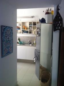 כניסה למטבח
